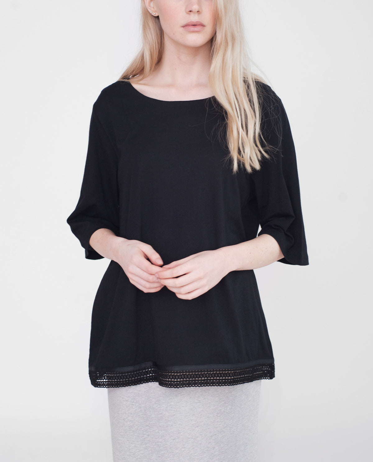 BRIELLE Organic Cotton Top In Black