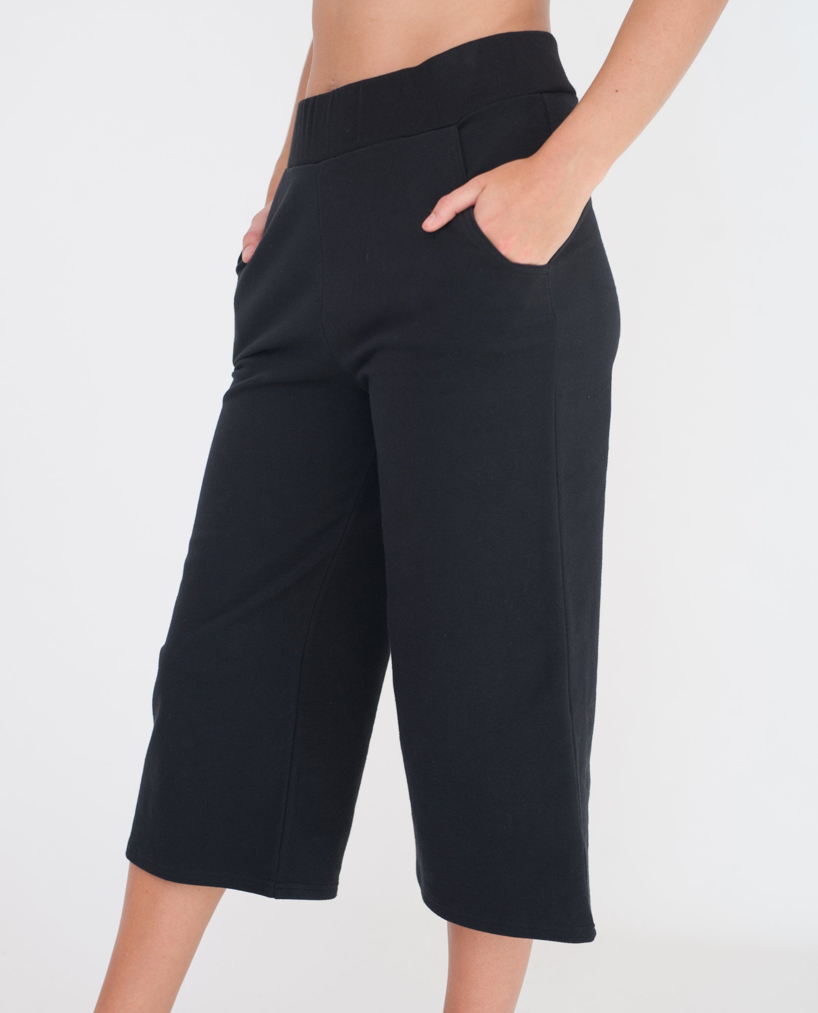 IZZY Organic Cotton Culottes In Black