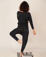 MIAKODA Yoga Batwing Top Black