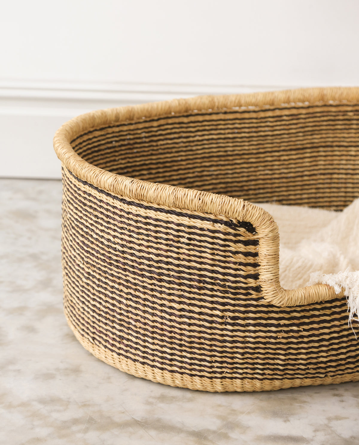 MINZI Handwoven Dog Basket