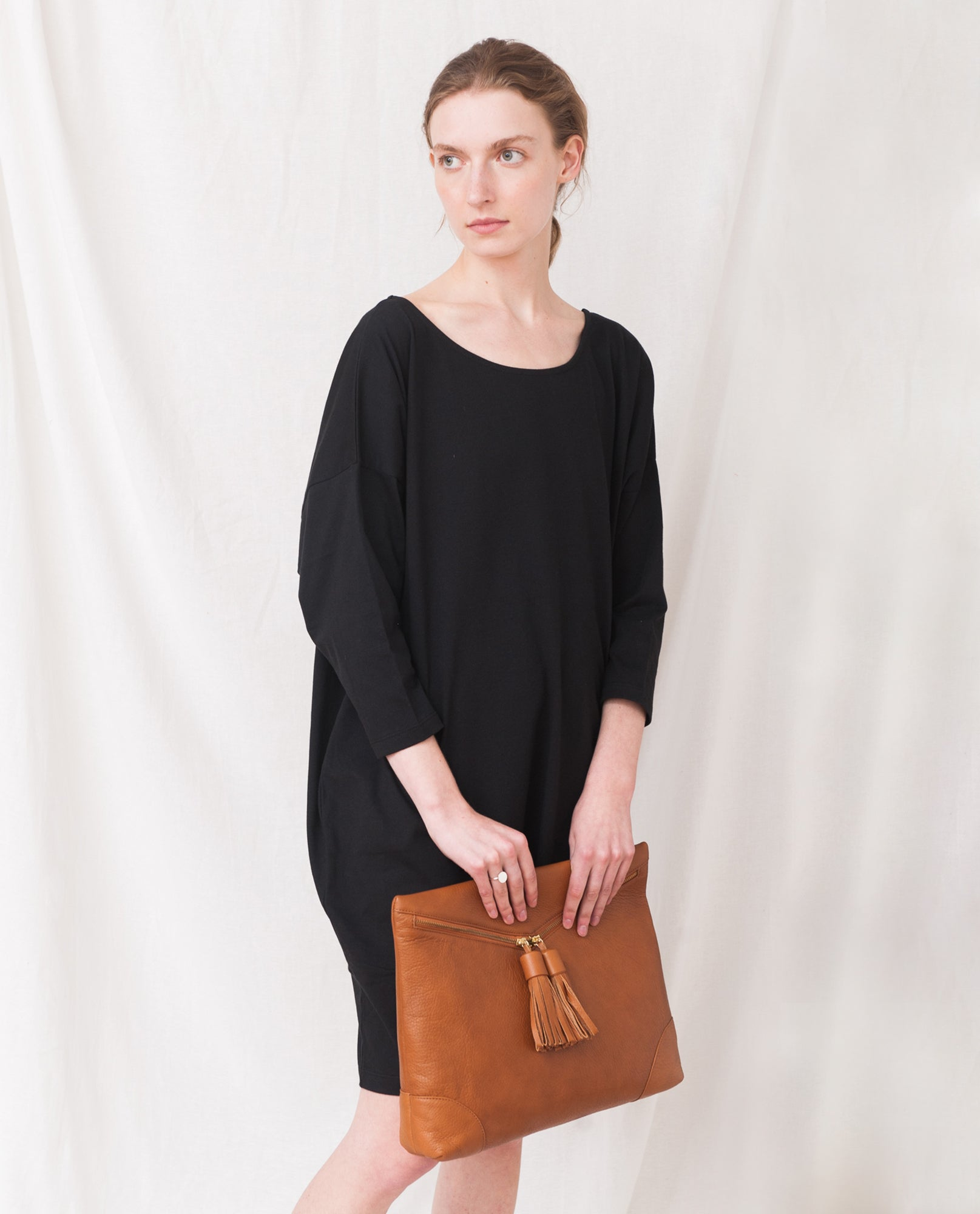 PORTO Leather Oversized Clutch In Tan