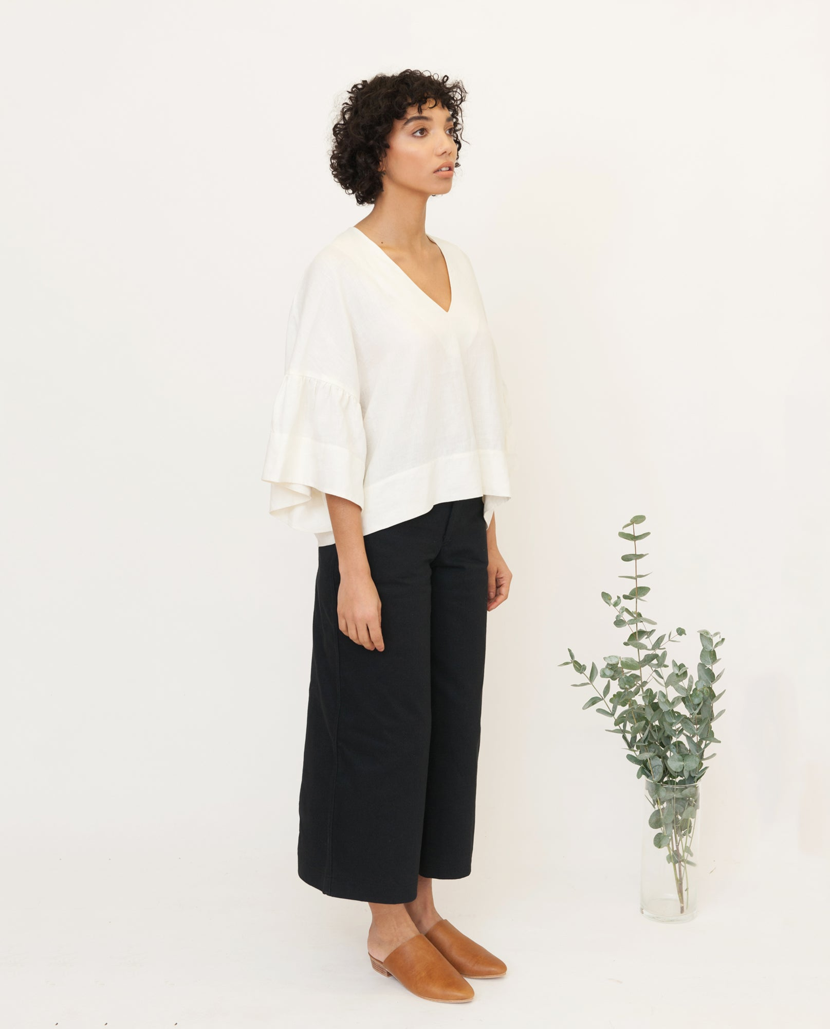 RITA-JO Linen Top In Off White