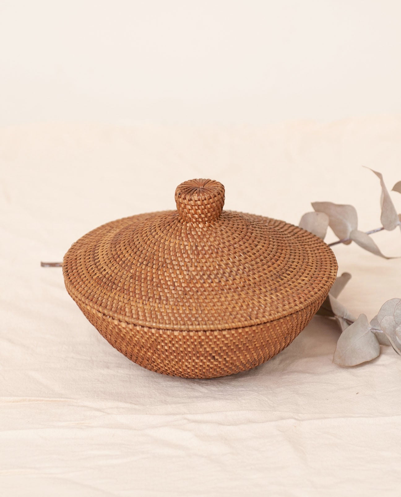 SUMBA Mid Brown Rattan Lidded Storage Bowl