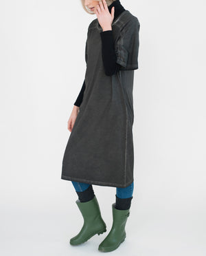 TILLY Organic Cotton Dress In Washed Black