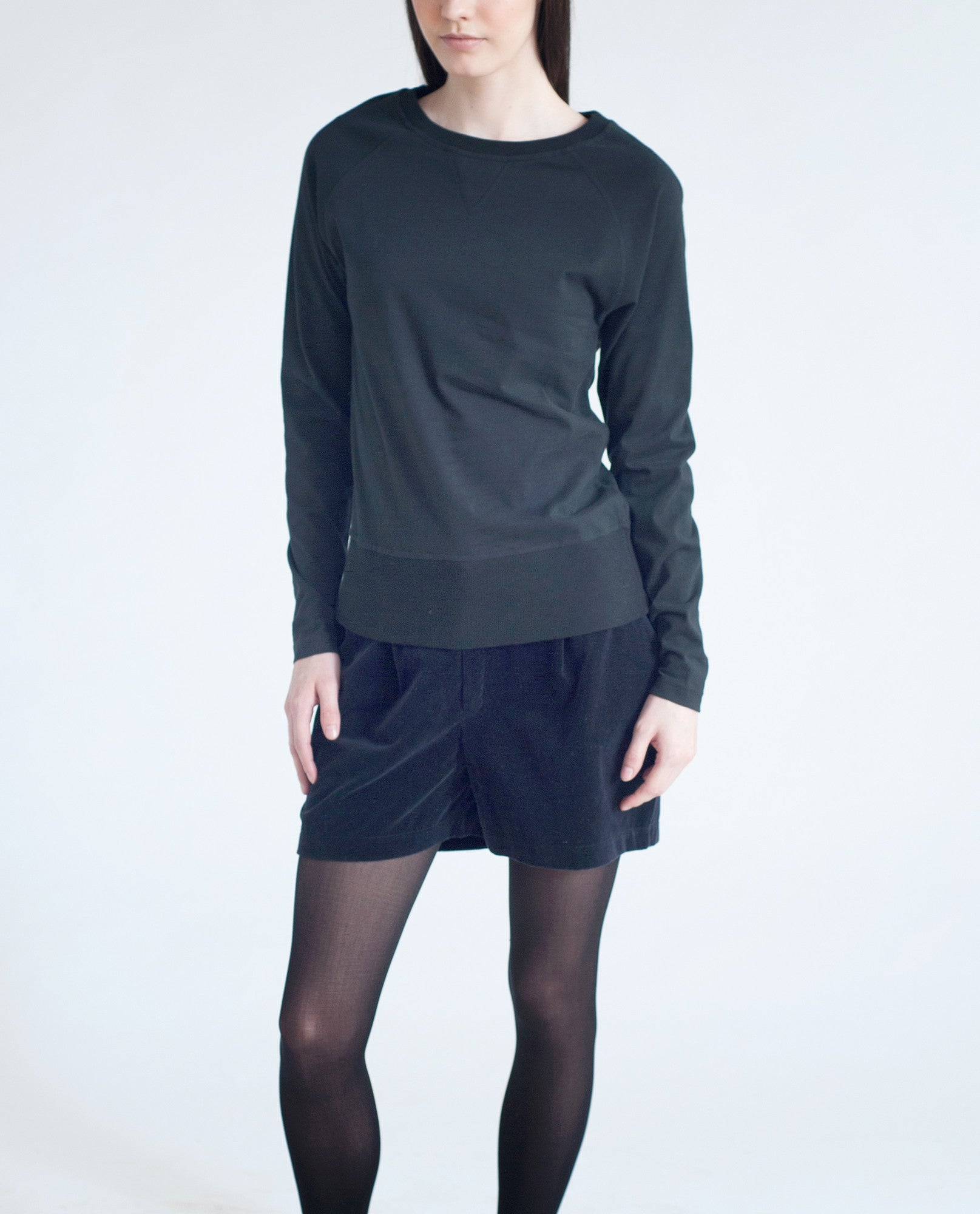 TONI Organic Cotton Top In Black from Beaumont Organic