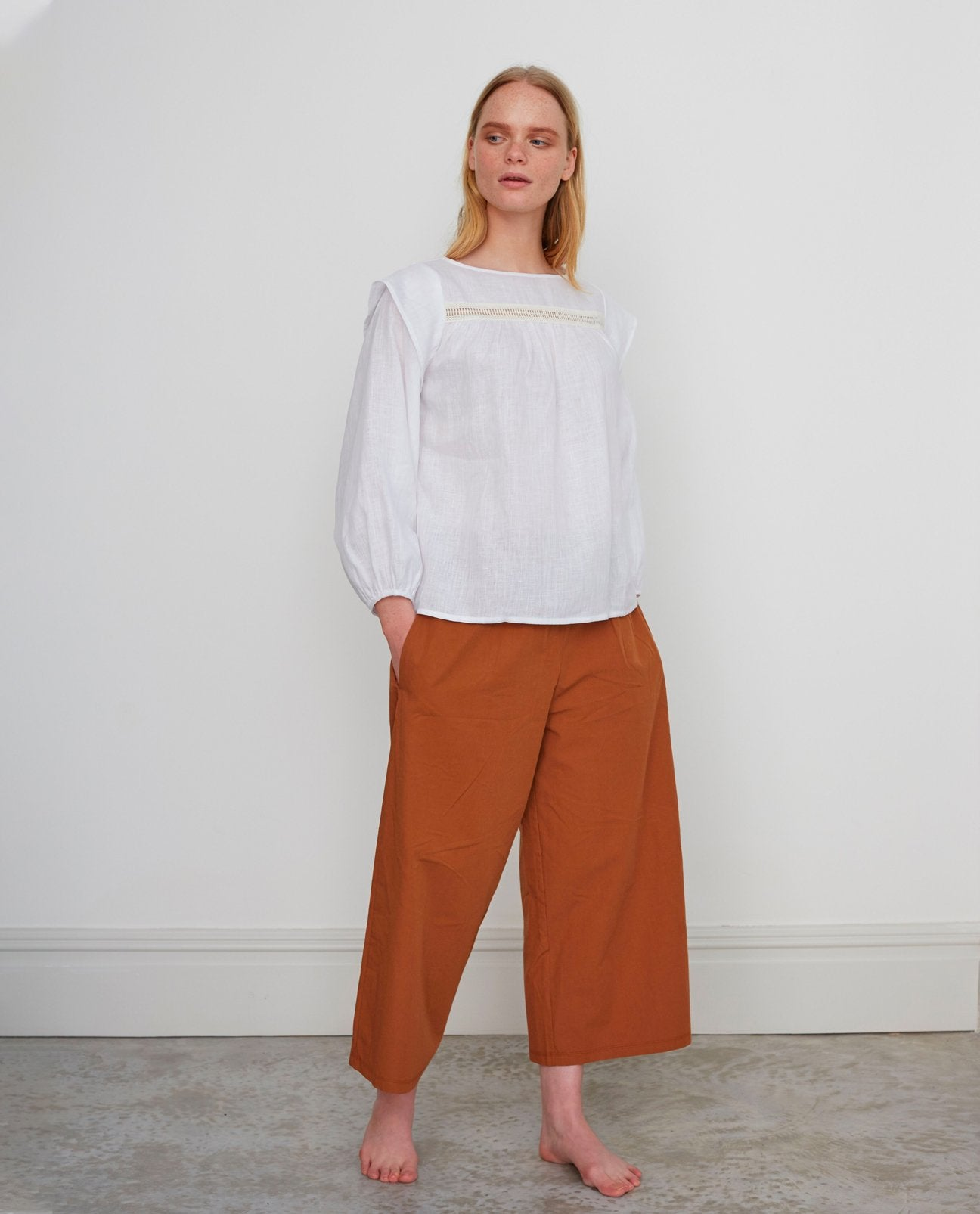 ADRIENNE Organic Cotton Trousers In Coffee