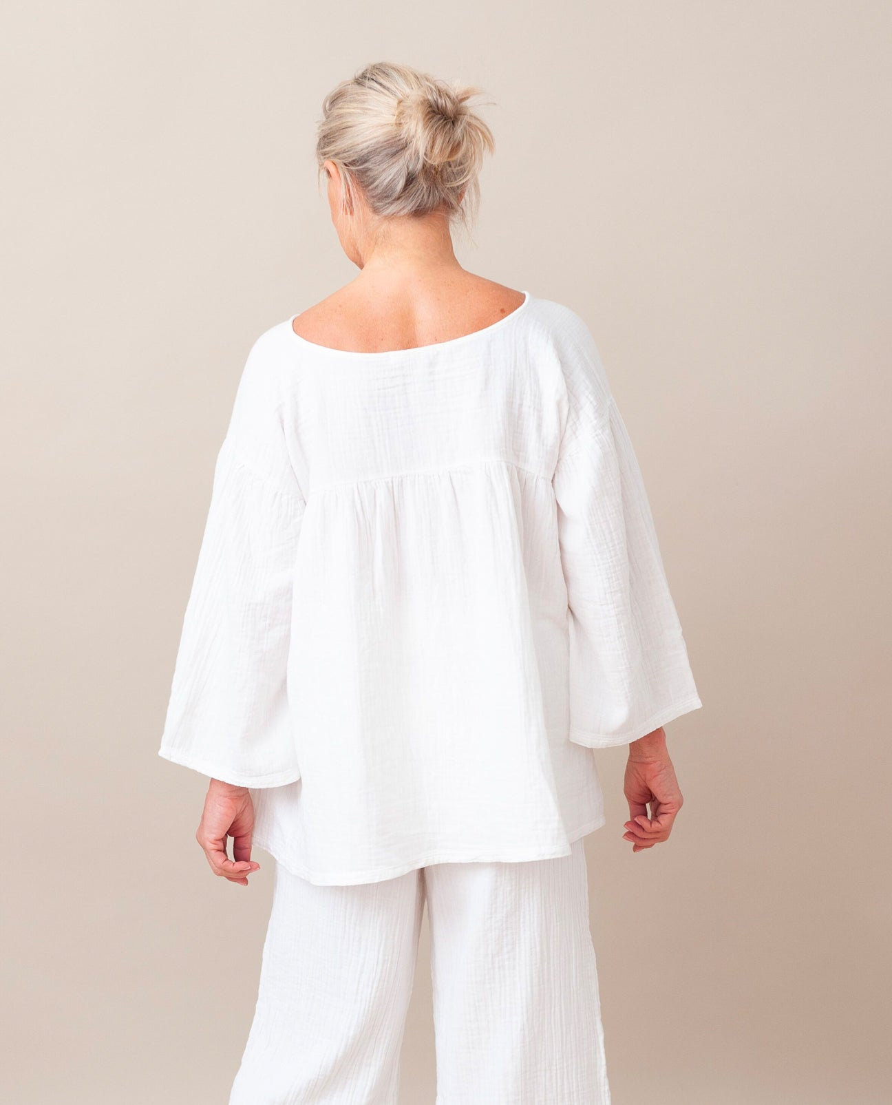 CARLOTTE Organic Cotton Top In Off White