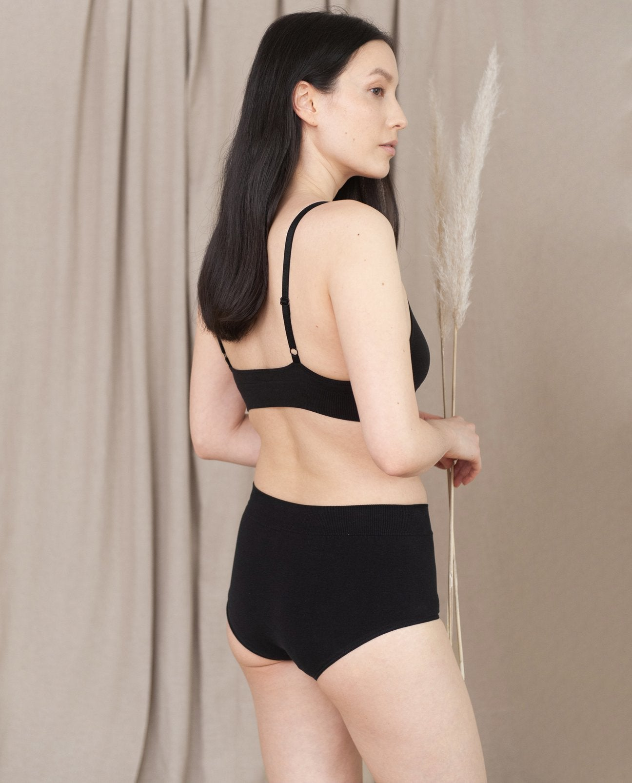 ENDIJA Organic Cotton High Waisted Briefs In Black