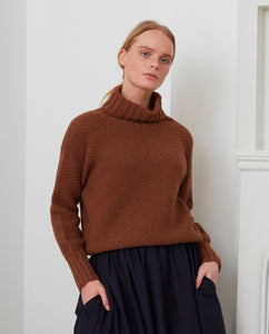 GLADYS Superfine Lambswool Jumper In Hazelnut