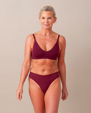 LINDA Organic Cotton Thong In Burgundy