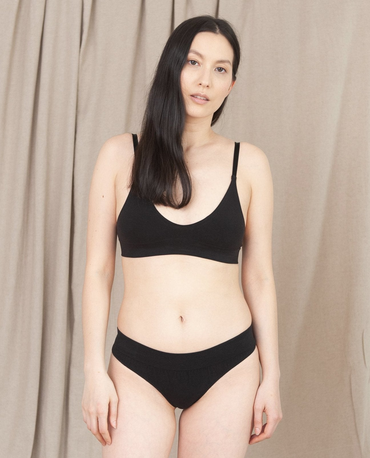 LINDA Organic Cotton Thong In Black