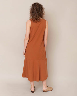 Madelyn Organic Cotton Dress In Coffee