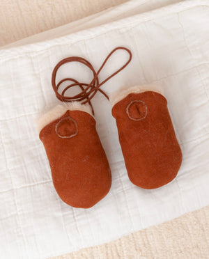 BEBE Sheepskin Newborn Mittens in Tan
