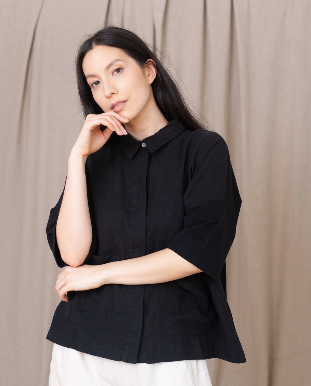 NAOMI  Linen Shirt In Black