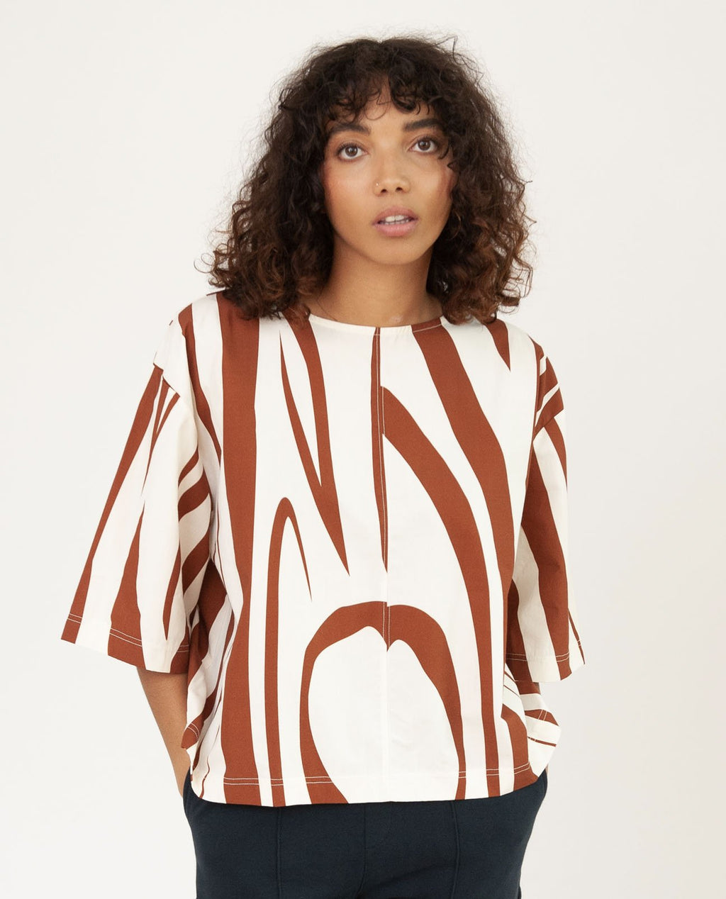 PATRICIA-PAIGE Organic Cotton Top In Ecru & Rust