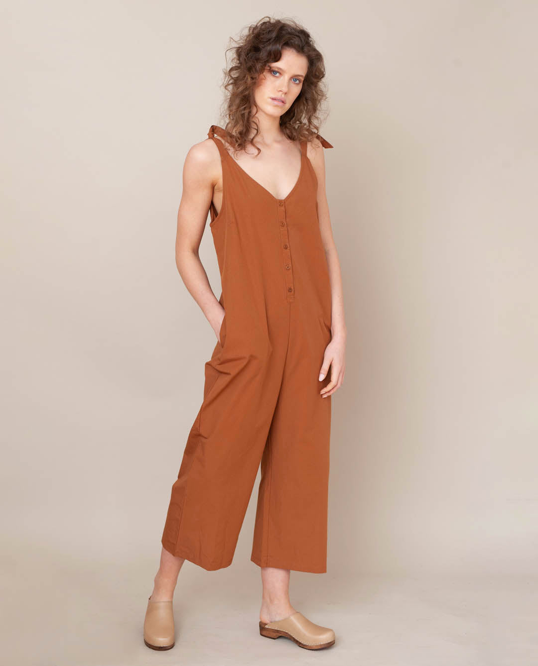 Penelope Organic Cotton Jumpsuit In Coffee