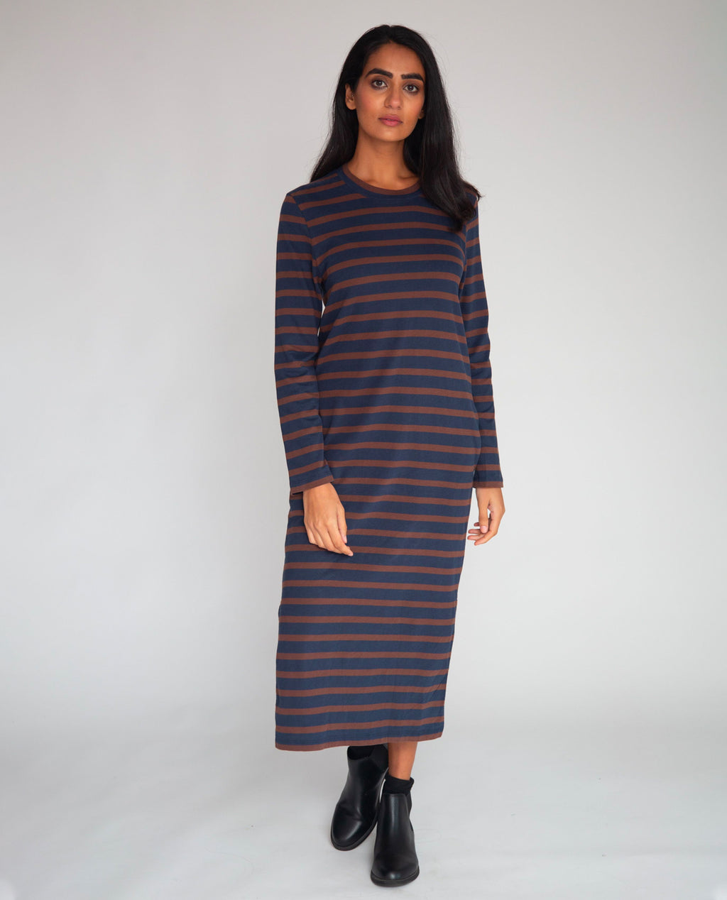 Raina-Sue Organic Cotton Dress In Navy & Chocolate