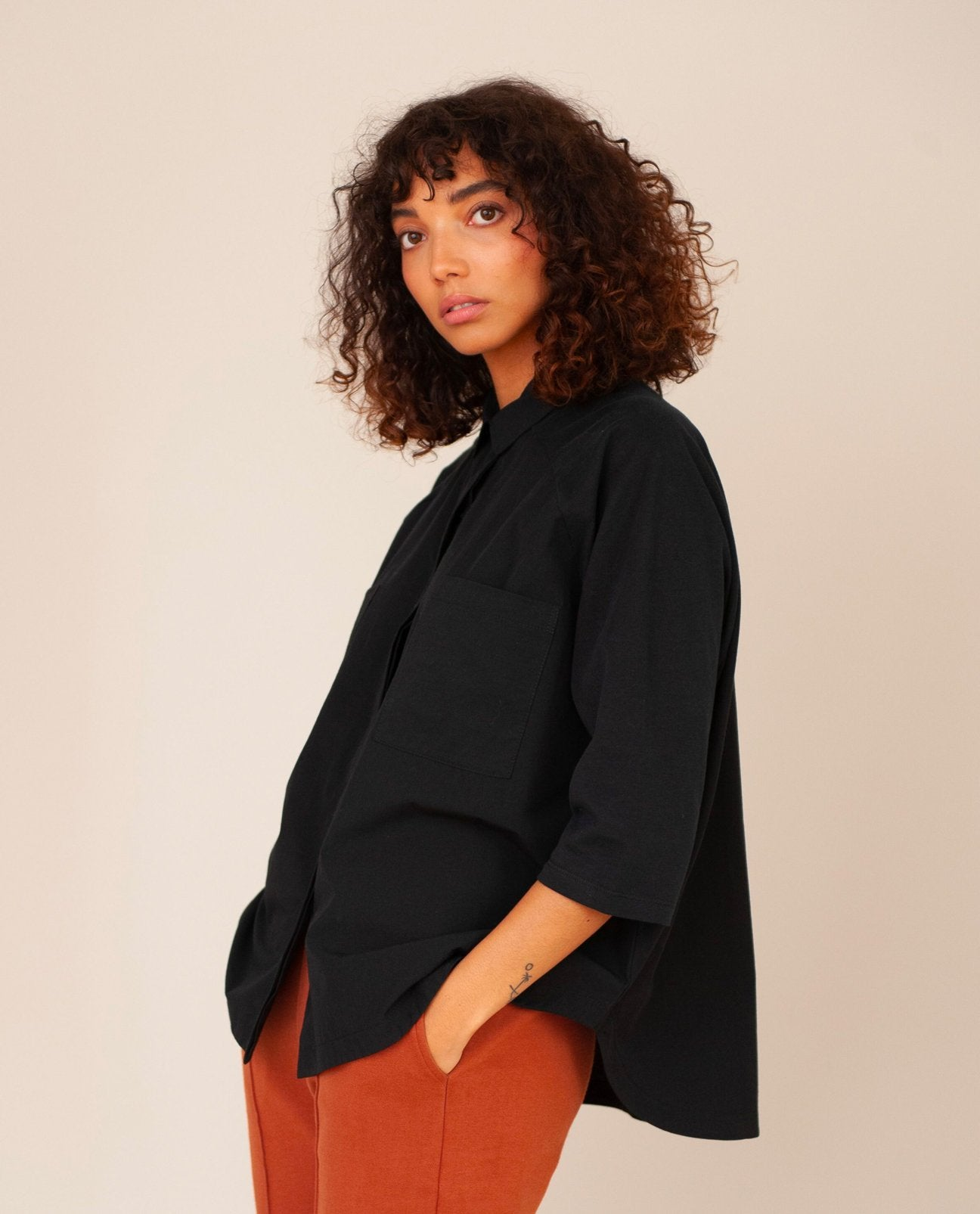 Stephanie Organic Cotton Shirt In Black