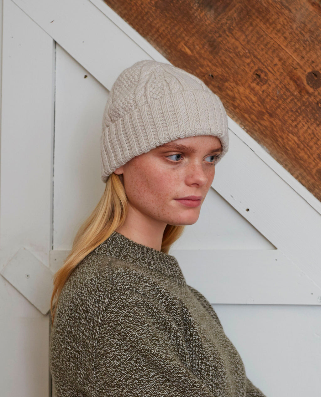 TRUDY Superfine Lambswool Hat In Swansdown