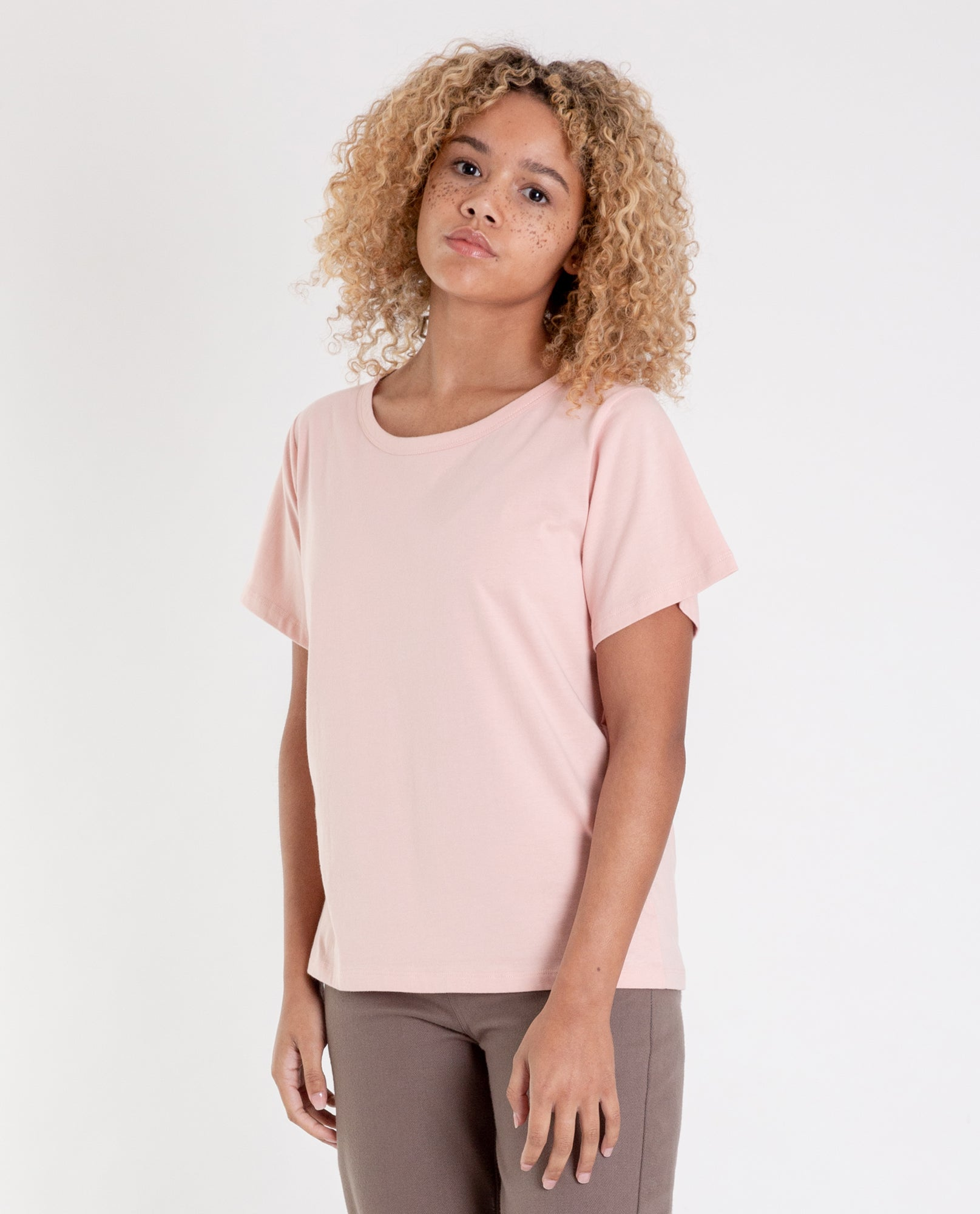 ZURI Organic Cotton Ruffle Tee In Coral