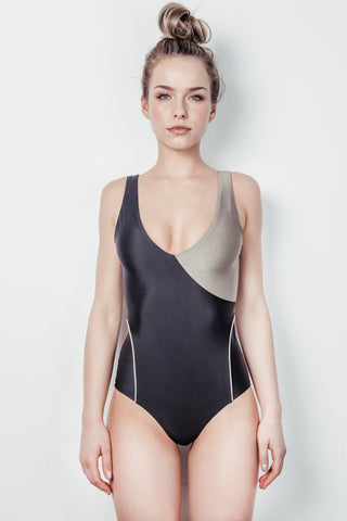 "The ""Ilha"" one piece"