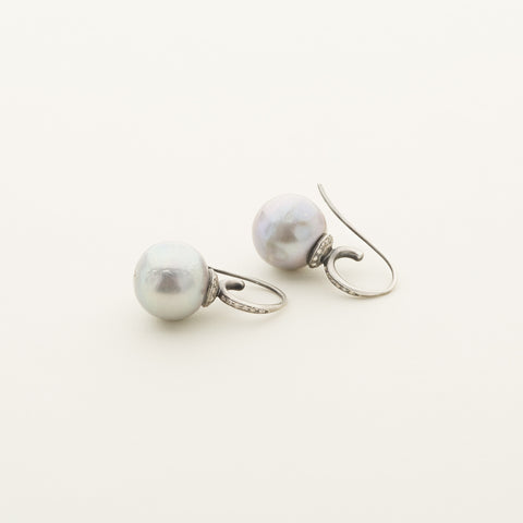 Pearl earrings with diamonds - silver with diamonds