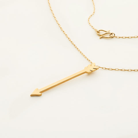 Arrow necklace - gold plated