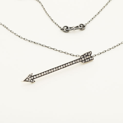 Arrow necklace - silver with diamonds