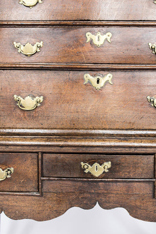 Queen Anne Oak Chest of Drawers on Cabriole Legs