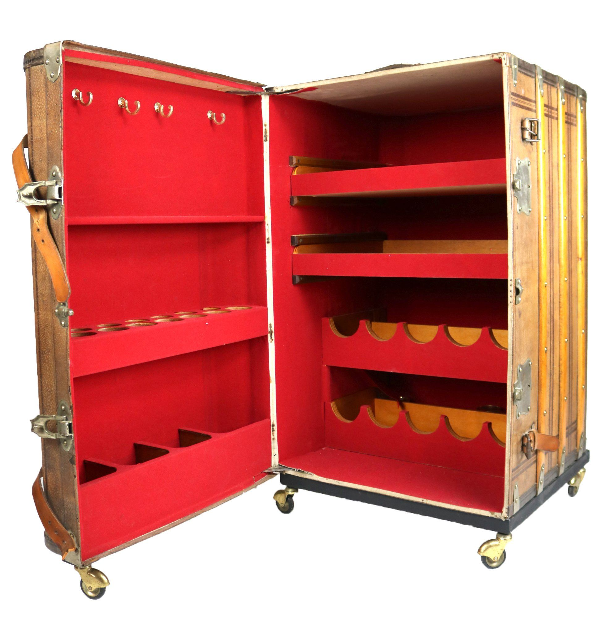 Travel Trunk Bar