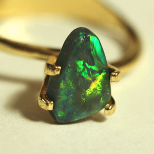 1.15ct Lightning Ridge Black Opal - Aurora Opal and Gem