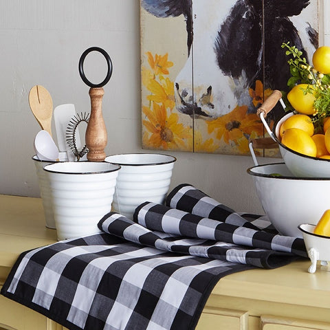 Classic casual black and white buffalo check table runner