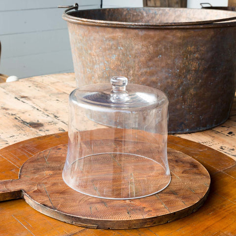 Elegant glass desert or appetizer cloche perfect for any sophisticated or casual dining experience