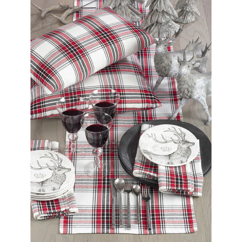 Red and Black Plaid Holiay Table Runner in Traditional Pattern