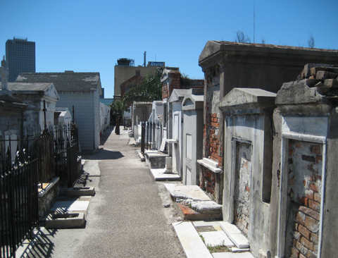 st louis cemetary no. 1 ten things you have to do in the big easy