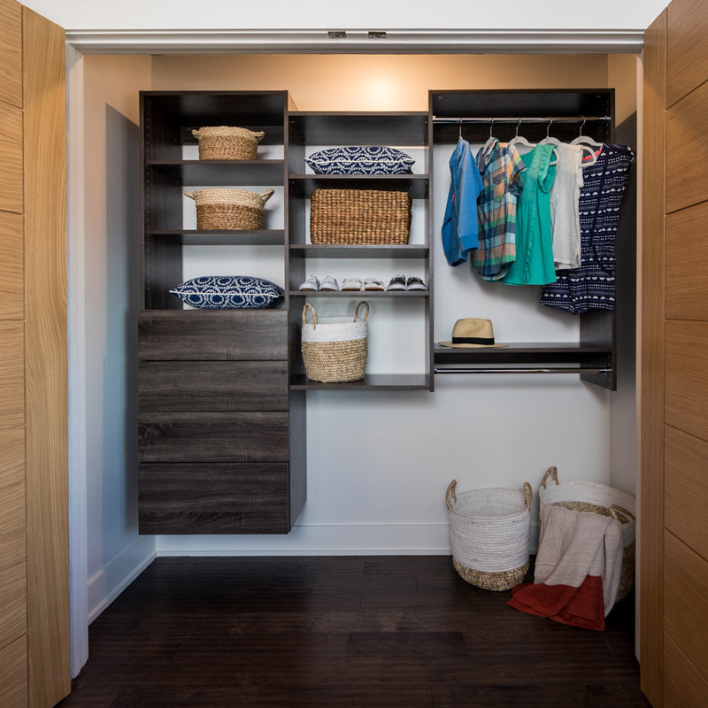 Reach-in closet system for bedroom