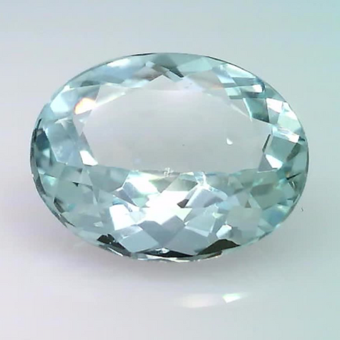 4.25 ct. natural Aquamarine