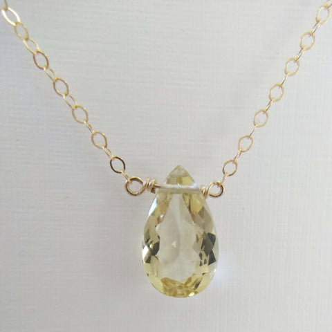 2.5ct Golden Beryl and Yellow Gold Necklace