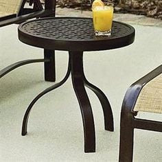 "Deluxe 18"" Round End Table with Trellis Top, Outdoor Furniture, Woodard - Danny Vegh's"