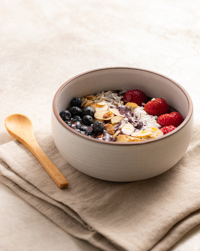 Healthy Acai Bowl with Collagen (9 Grams of Protein Per Serving!)