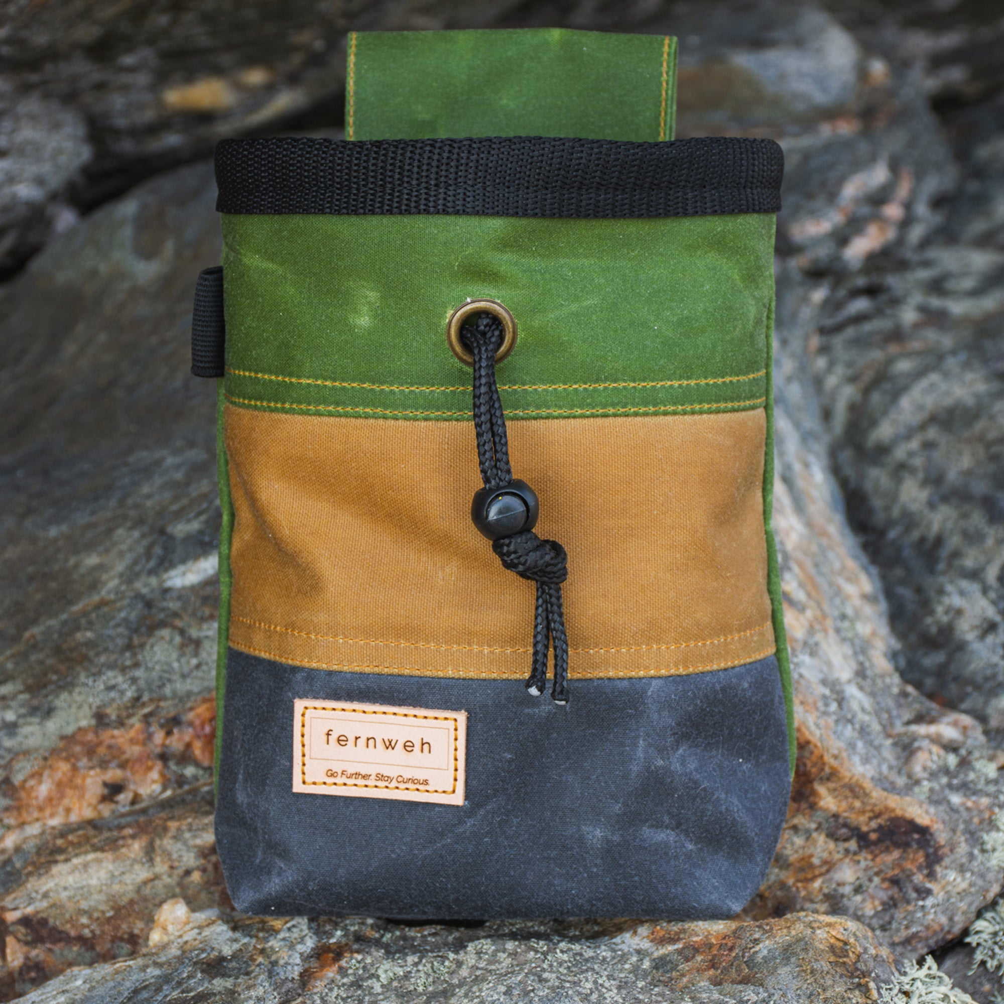 Fiadhaich Waxed Canvas Chalk Bag - Green/Ochre/Grey