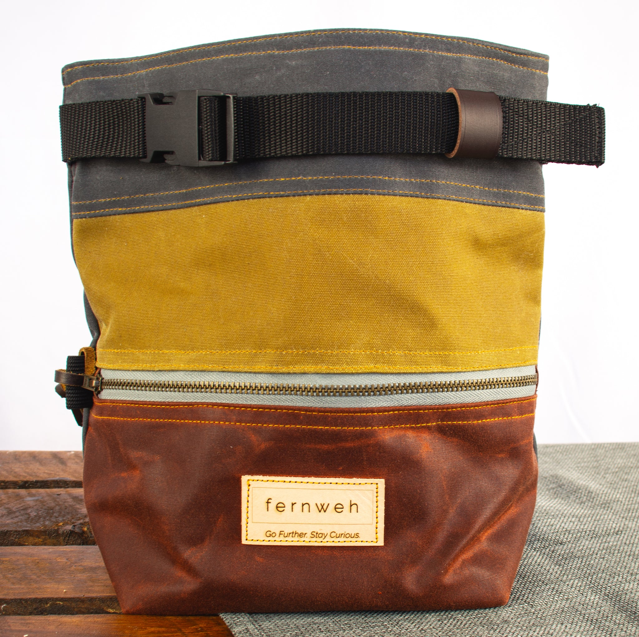 Fiadhaich Waxed Canvas Boulder Bucket - Grey/Ochre/Rust