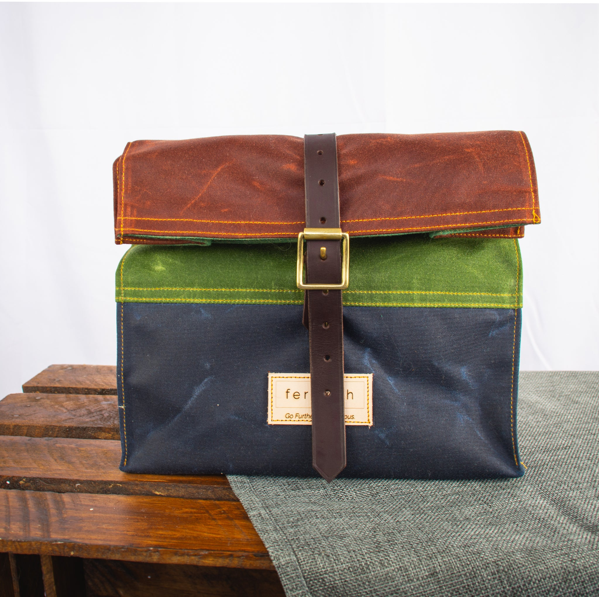 Fiadhaich Waxed Canvas Lunch Bag - Rust/Green/Navy