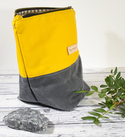 Fernweh UK - Waxed Cotton Canvas Medium Zipper Pouch - Yellow/Grey