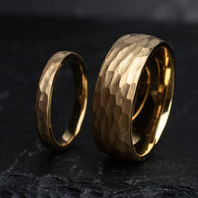 Load image into Gallery viewer, Freya Gold Wedding Ring Set | Northbands