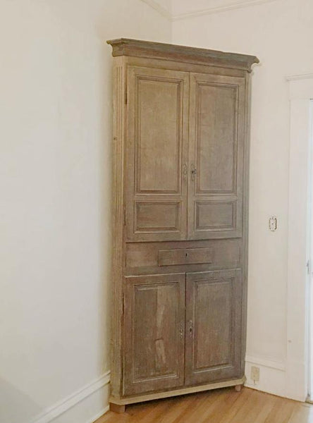 18th Century Gustavian Corner Cabinet in Washed Oak