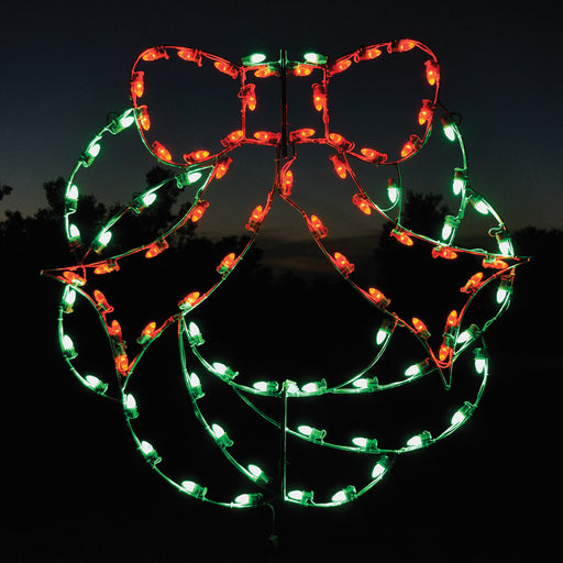 Holiday, traditional, Christmas wreath, outdoor decoration, C7 LED bulb, aluminum frame, giant motif, HolidayLights.com 2021