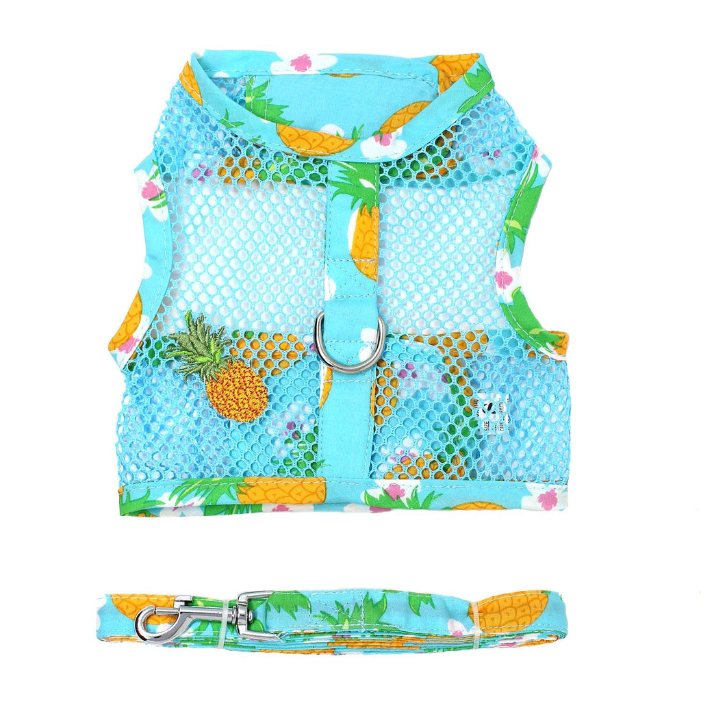 Cool Mesh Dog Harness features a cool Pineapple Luau print and a matching patch on the side. With heavy duty touch fastener, a D-ring and matching leash, this set is perfect for every pup!