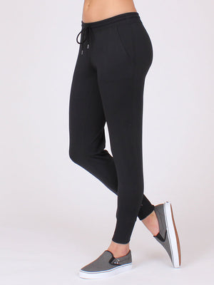 The Everyday Yoga Pant in Black