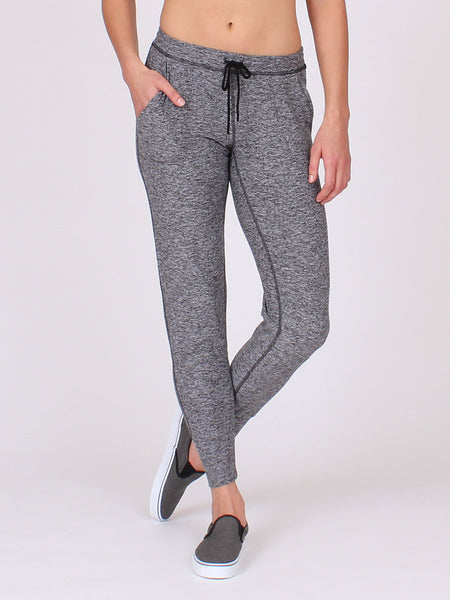 The Elevation Pant in Midnight